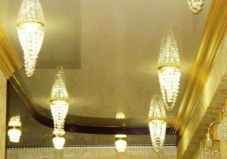 светильник на натяжные потолки